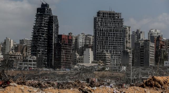 Lübnanda patlamanın ardından istifalar sürüyor