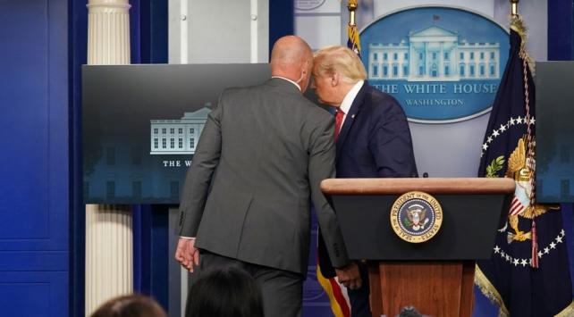 Beyaz Sarayda silah sesleri: Trump toplantıyı terk etti