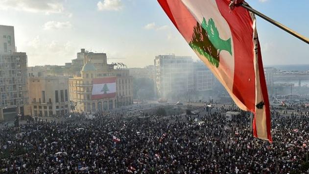 Lübnanda hükümetin istifası protestocular için yeterli değil