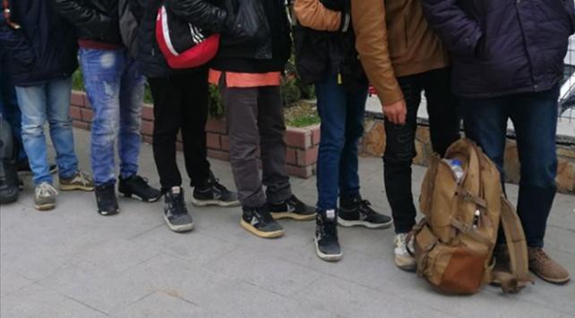 Kiliste 12 düzensiz göçmen yakalandı
