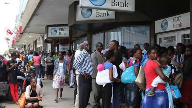 Zimbabvedeki siyasi ve ekonomik kriz derinleşiyor