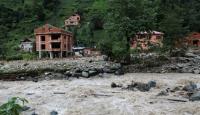 Rize'de kuvvetli yağış hayatı olumsuz etkiledi