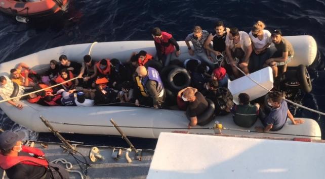 Yunanistanın ölüme terk ettiği 80 sığınmacı kurtarıldı