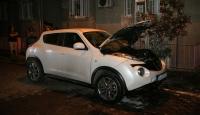 İstanbul'da park halindeki araç yandı