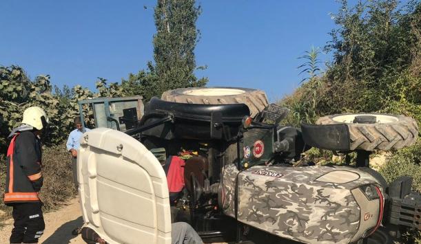 Mersinde devrilen traktörün altında kalan çift yaşamını yitirdi