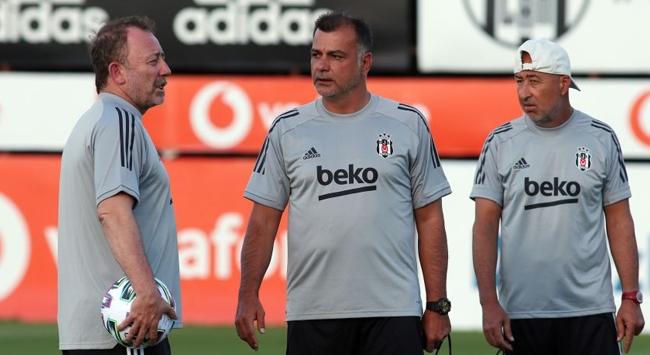 Beşiktaşta golcü arayışı sürüyor