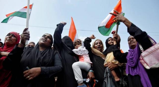 Hindistanda Hz. Muhammede yönelik hakaret içerikli mesaj protestolara yol açtı