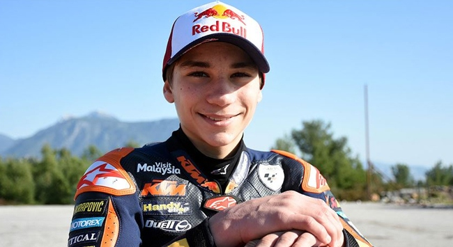 Milli motosikletçi Deniz Öncü İspanyada yarışacak