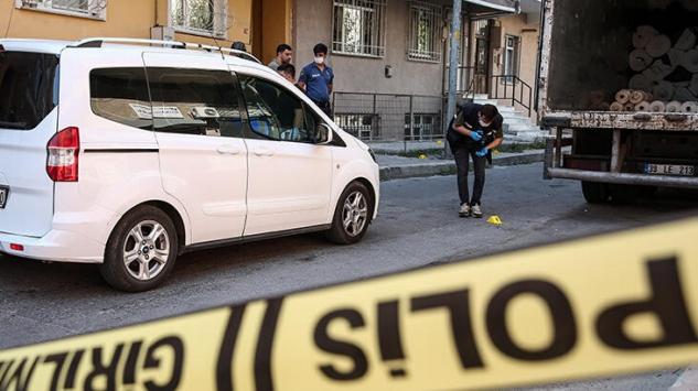 Küçükçekmecede tekstil atölyesine silahlı saldırı: 2 yaralı
