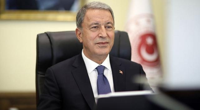 Milli Savunma Bakanı Akar Azerbaycana gitti