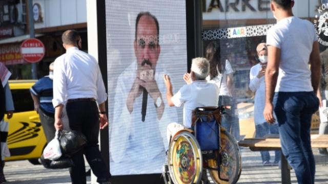 Konya'da başkan duraktan canlı seslendi: Maske mesafeye dikkat