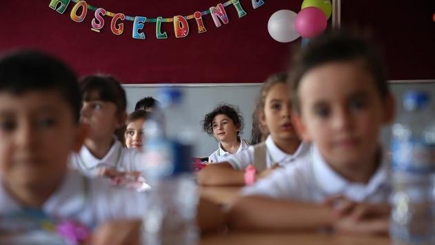 Bakan Selçuktan dayanışma çağrısı: Hepimiz çocukların yanında olacağız