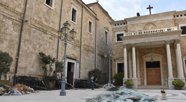 Türkiye, Beyruttaki sembol ibadethanelerin onarımına talip