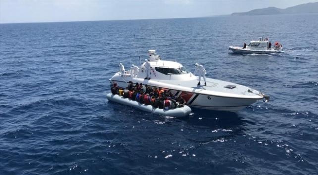 Türk kara sularına geri itilen 103 sığınmacı kurtarıldı