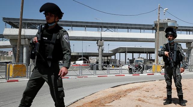 İsrail sınır polisleri, Filistinlilere yönelik gasp ve şiddetle suçlanıyor