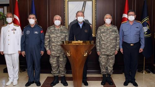 Akar ve komutanlardan Donanma Komutanlığı'nda Oruç Reis incelemesi