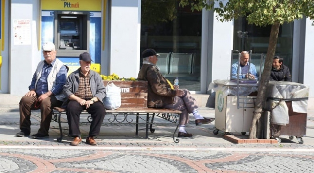 Şanlıurfada 65 yaş üstüne sokağa çıkma kısıtlaması
