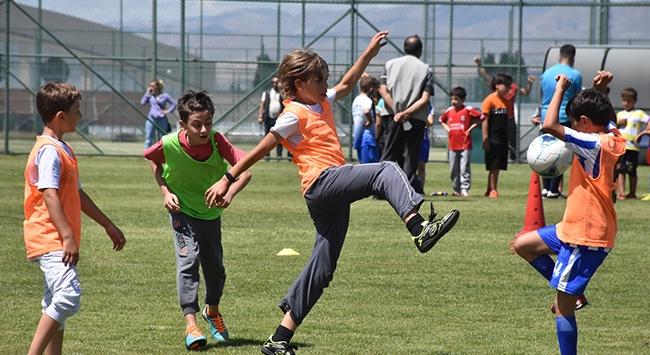 Büyükşehir Belediyesi Erzurumspor Futbol Akademisi kuruldu