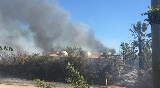 Antalyada hamamda başlayan yangın kontrol altına alındı