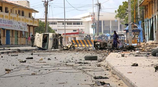 Somalide otele bombalı saldırı
