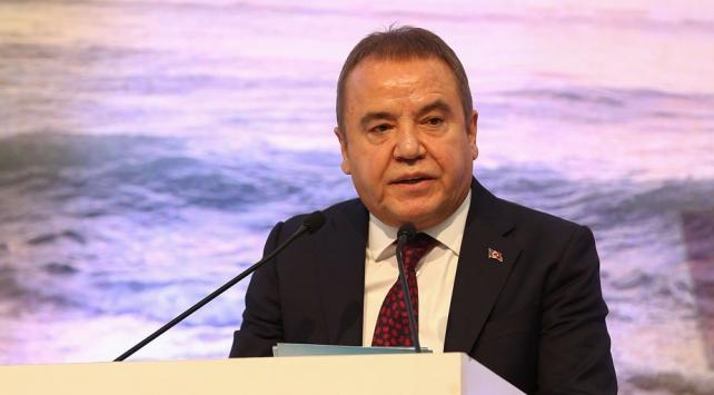 Antalya Büyükşehir Belediye Başkanı Böcek koronavirüse yakalandı