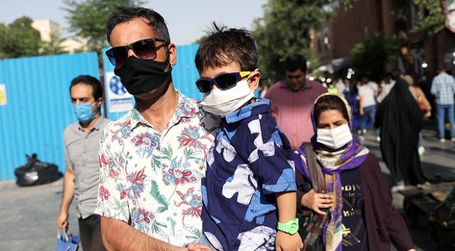İranda son 24 saatte 165 kişi daha koronavirüsten öldü