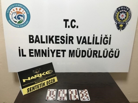 Balıkesirde uyuşturucu operasyonlarında 3 şüpheli tutuklandı