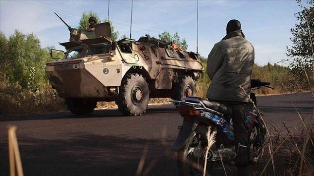 Malide askeri araçlar başkent Bamakoya ilerliyor