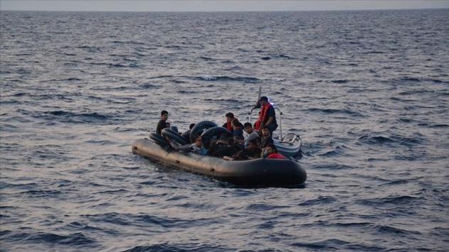 AB, Yunanistandan göçmenlerin geri itilmesini soruşturmasını istedi