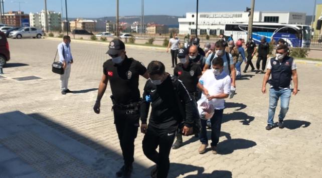 Lastik botla Yunanistana kaçmaya çalışan 13 FETÖcü yakalandı