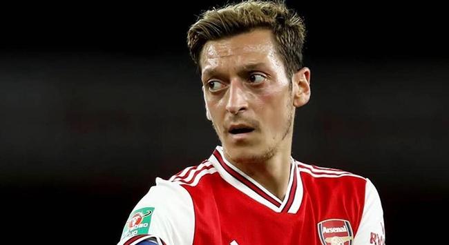 New York Timestan çarpıcı Mesut Özil iddiası