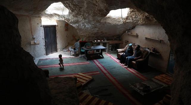 İsrailin yıkımları, Filistinli ailelerin zorunluluktan mesken tuttuğu mağaralara ulaştı