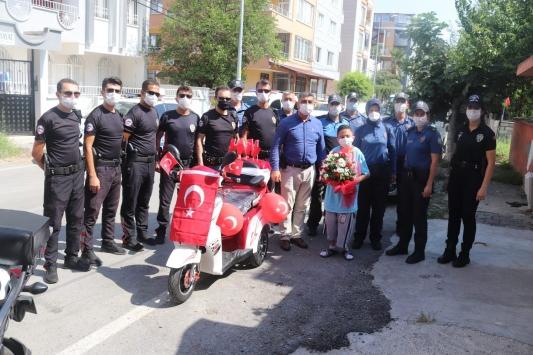 Hatayda polisten hasta gence akülü motosiklet sürprizi