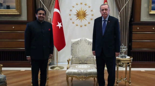 Cumhurbaşkanı Erdoğan, Hindistanın Ankara Büyükelçisi Pandayı kabul etti