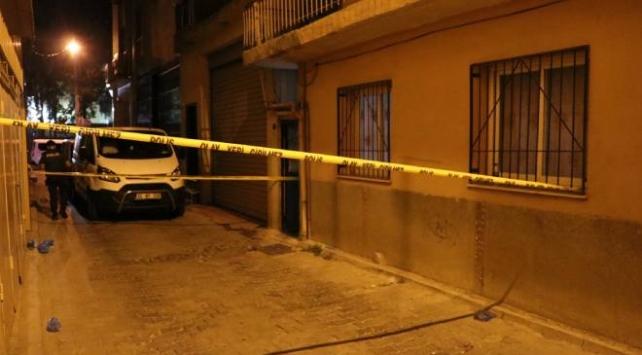 Vücudu cam parçalarıyla kesilen kadın öldü, arkadaşı gözaltına alındı