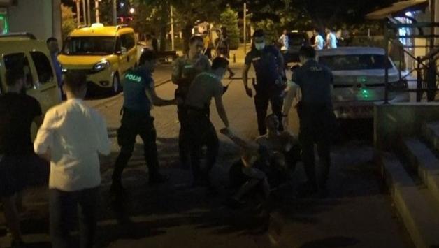 Antalyada yüksek sesle müzik kavgası: 2 yaralı