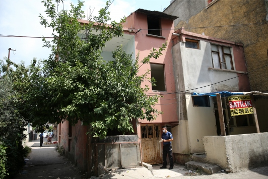 Adanada yalnız yaşayan kişi evinde ölü bulundu