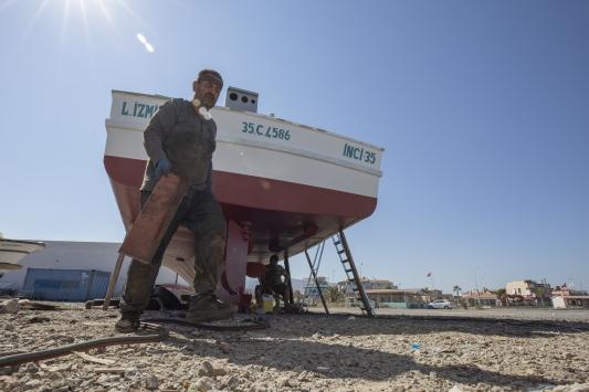 """Egeli balıkçılar """"1 Eylül"""" hazırlıklarını Kovid-19 tedbirleriyle sürdürüyor"""