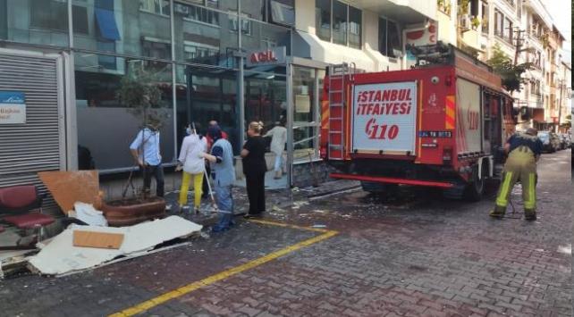 Gaziosmanpaşada hastane tavanı çöktü: 1 yaralı