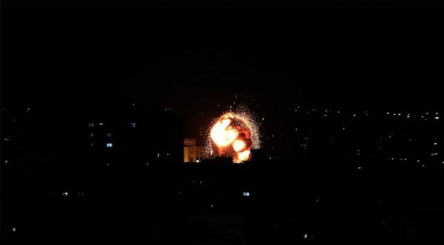 İsrail Gazzede Hamasa ait bazı noktaları vurdu