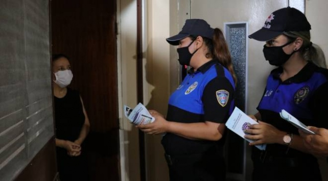 """Adanada polis """"Komşunu Kolla"""" projesini tanıttı"""