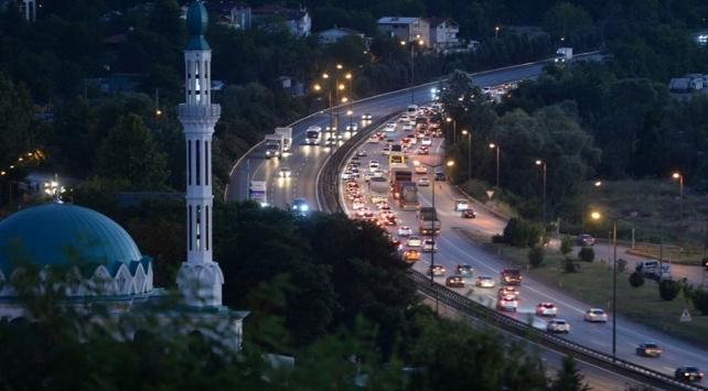İstanbulda trafik uygulaması: 480 araca ceza kesildi