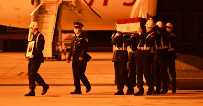 Şehit Kıranın cenazesi memleketi Çanakkaleye getirildi