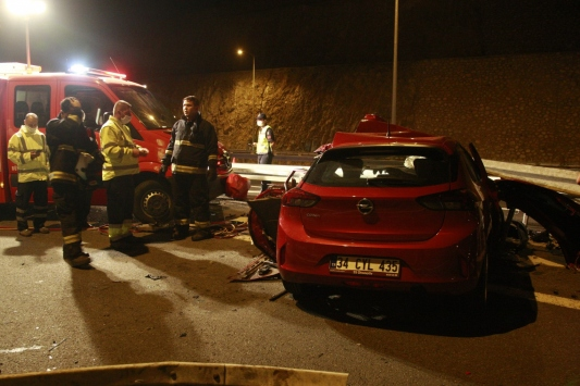 Bursadaki trafik kazasında kız kardeşlerden 1i öldü diğeri yaralandı