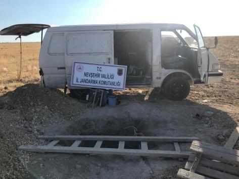 Nevşehirde kaçak kazı yapan 4 kişi yakalandı