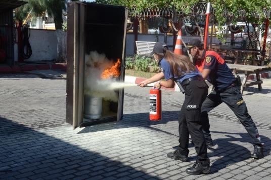 Aydında emniyet personeline yangına müdahale eğitimi