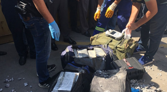 Kocaelide bir konteynerde 540 kilo kokain ele geçirildi