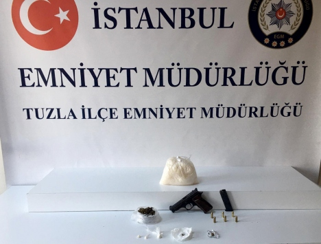 Tuzlada uyuşturucu ticareti yapan 2 sokak satıcısı tutuklandı