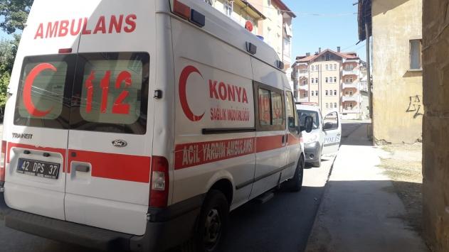 Çakmak gazı çektiği ileri sürülen genç hastaneye kaldırıldı