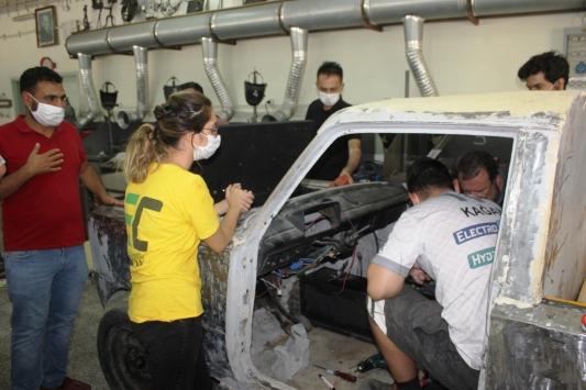OKÜnün TÜBİTAK ödüllü elektrikli aracı yeniden yapılıyor
